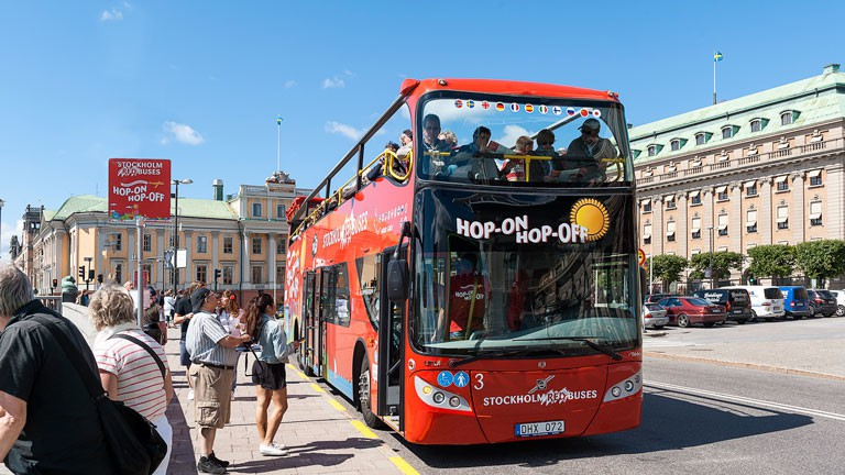 red-buses-stockholm-1-0x0