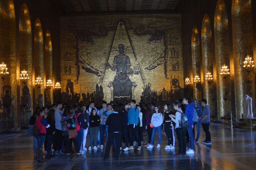 tour in golden hall